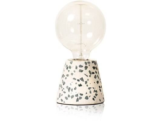 1046625_oliver-bonas_homeware_ettore-table-lamp-